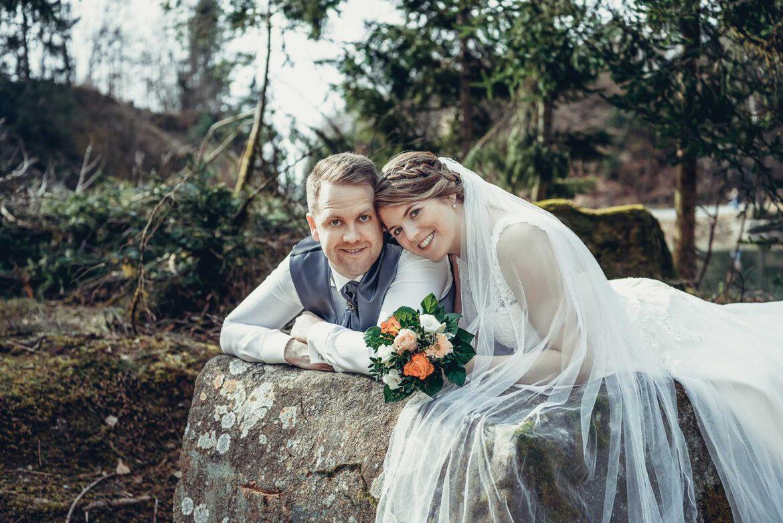 Brautpaar_liegend_a