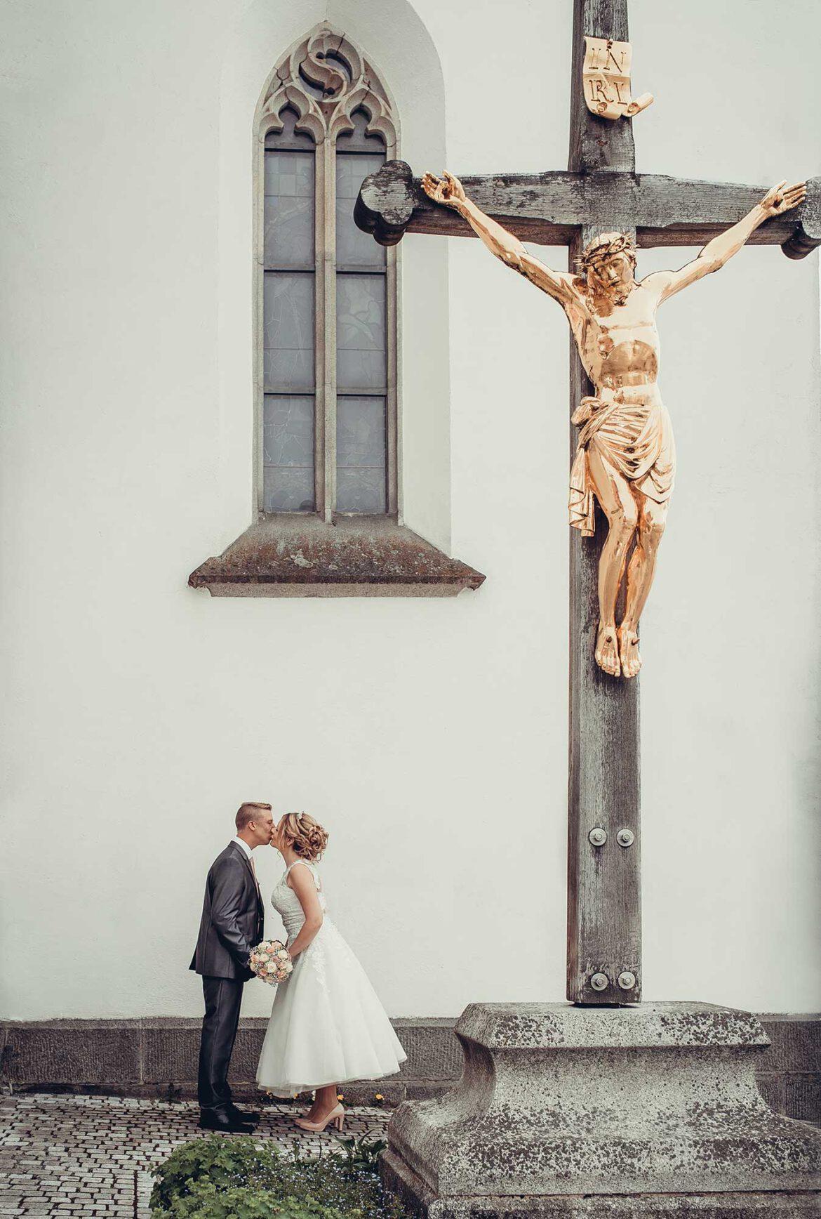Hochzeit_mit_Kreuz_d